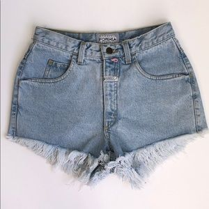 VINTAGE Forenza High Rise Cut Off Mom Jean Shorts